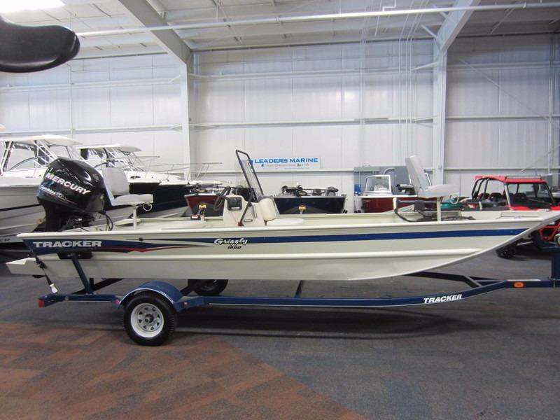 2013 used tracker boats grizzly 1860 cc center console for Used center console fishing boats for sale