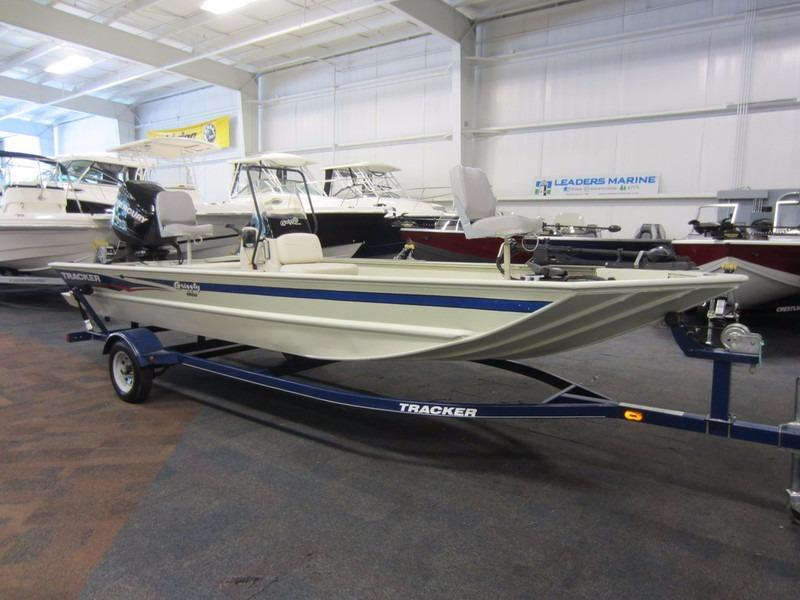 2013 used tracker boats grizzly 1860 cc center console for Tracker fishing boats
