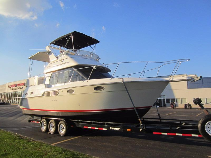 1999 Used Carver Yachts 326 Aft Cabin My Motor Yacht For