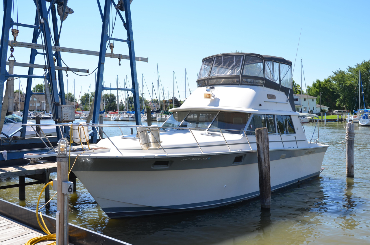 1987 used silverton 37 convertible fishing boat for sale for Used fishing boats for sale in michigan
