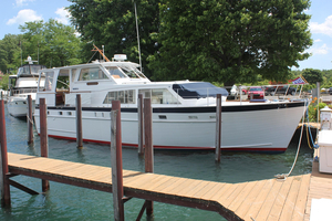 Used Matthews 45 Flushdeck Motor Yacht For Sale