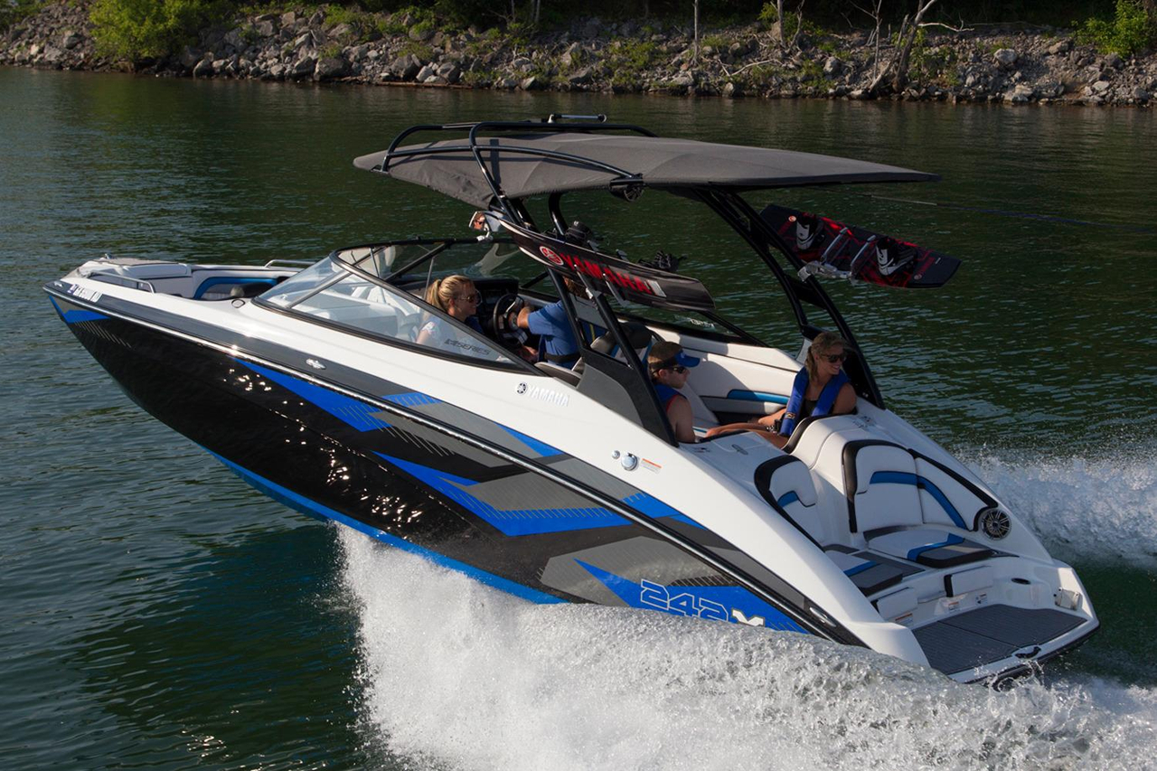 2016 new yamaha 242x e series ski and wakeboard boat for