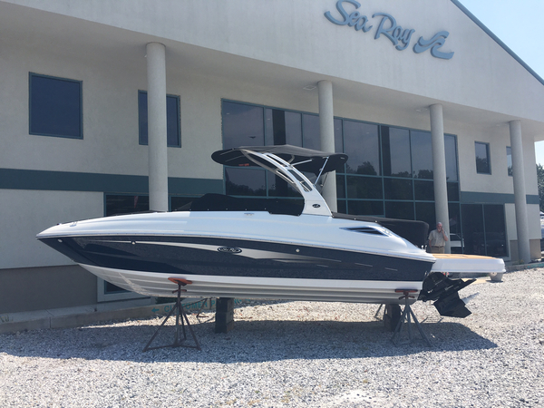 New Sea Ray 240 Sundeck Bowrider Boat For Sale