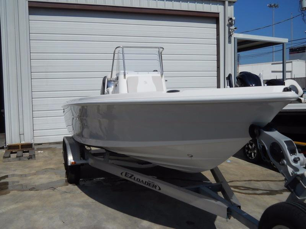 2013 used edgewater 210 is center console fishing boat for