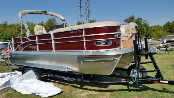 New Suncatcher X322 RF Pontoon Boat For Sale