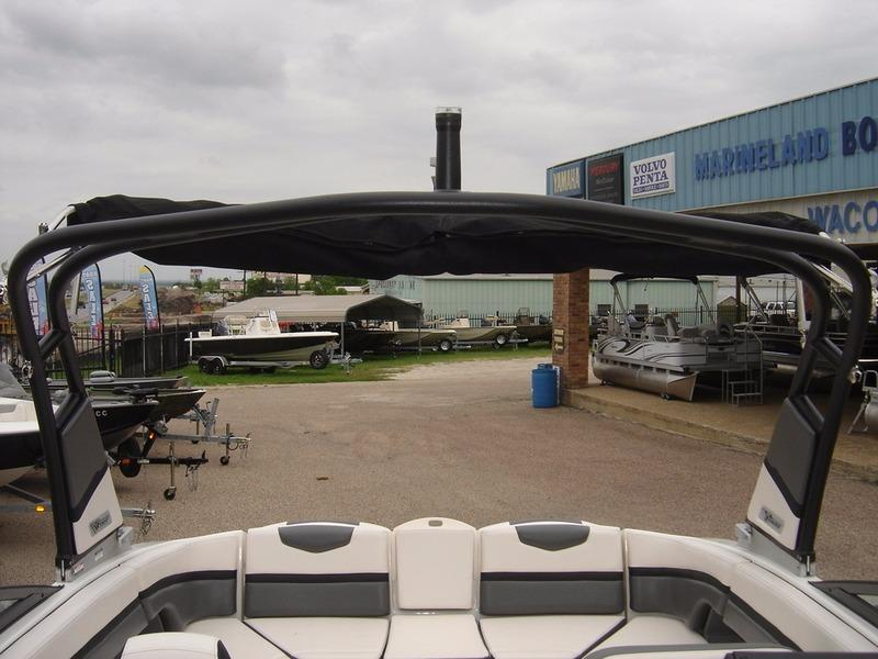 2016 New Chaparral 243 VRX Ski and Wakeboard Boat For Sale ...