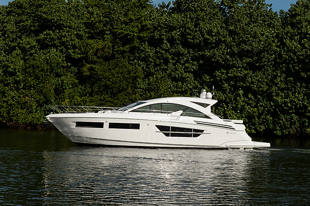 2015 new cruisers yachts motor yacht for sale 1 799 000 for Motor yachts for sale in florida