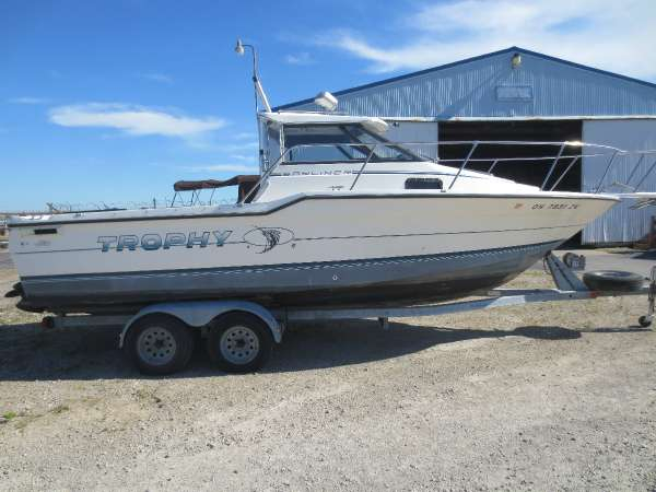 1991 used trophy 23 wa walkaround fishing boat for sale for Fishing boats for sale in ohio