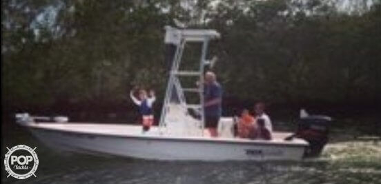 Used Pathfinder 22 bay Center Console Fishing Boat For Sale