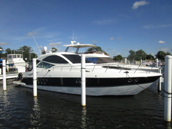 Used Cruisers Yachts 540 Coupe Motor Yacht For Sale