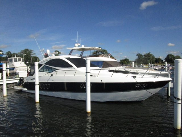 2012 Used Cruisers Yachts 540 Coupe Motor Yacht For Sale