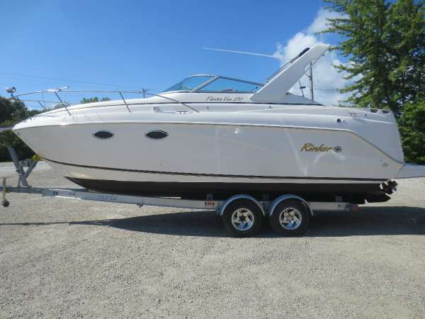 Used Rinker 270 Cruiser Boat For Sale