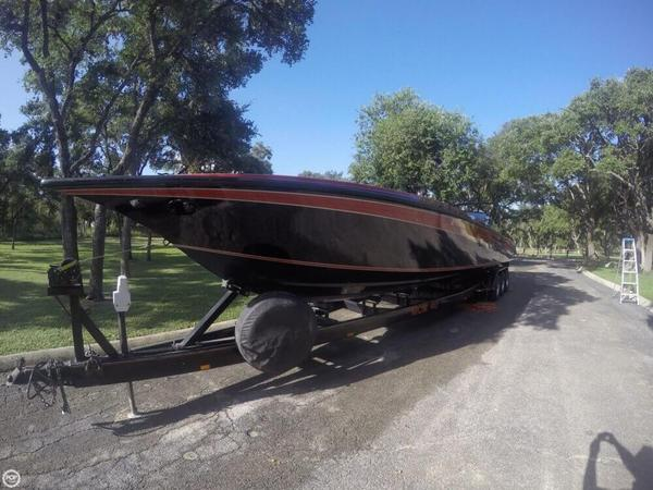 Used Fountain 12M RENEGADE High Performance Boat For Sale