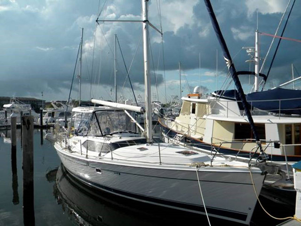Used Hunter 45 CC Cruiser Sailboat For Sale