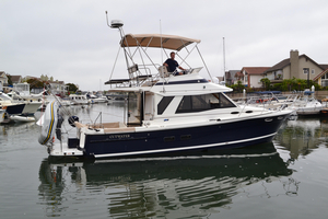 Used Cutwater 30' Command Bridge Sports Cruiser Boat For Sale