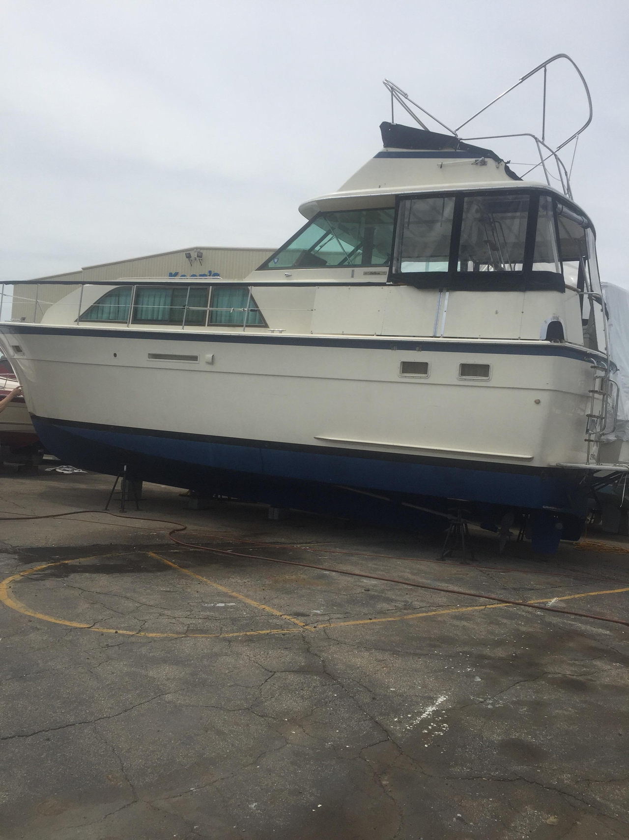 1977 Used Hatteras Double Cabin Motor Yacht For Sale