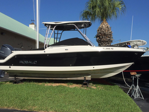 Used Robalo R247 Dual Console Saltwater Fishing Boat For Sale