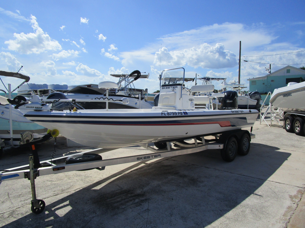 2010 used skeeter zx 22 bay center console fishing boat for Center console fishing boats for sale