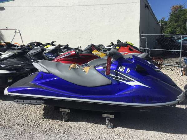 2011 used yamaha vx deluxe personal watercraft for sale. Black Bedroom Furniture Sets. Home Design Ideas