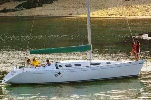 Used Beneteau 38S5 Racer and Cruiser Sailboat For Sale