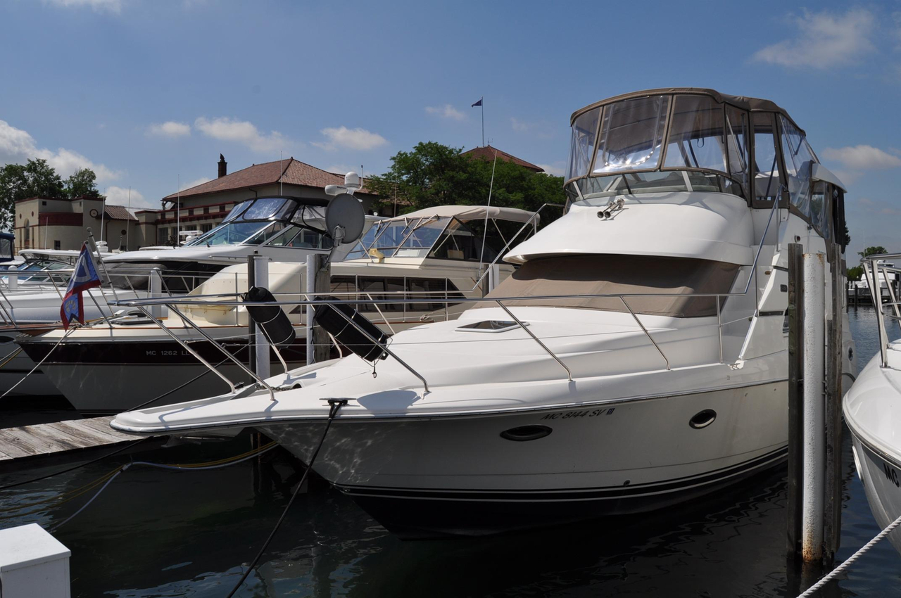 2001 used silverton 352 motor yacht motor yacht for sale for Used motor yacht for sale