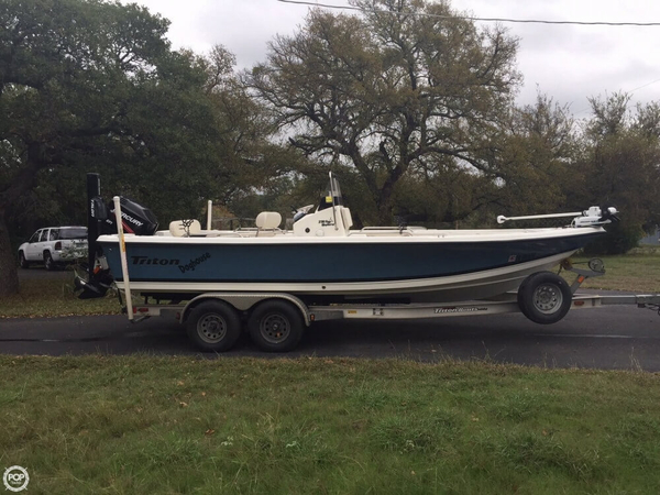 Used Triton 218 Bay Explorer Center Console Fishing Boat For Sale