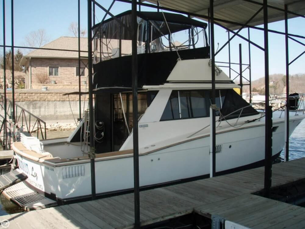 Used Trojan F-36 Flybridge Cruiser Convertible Express Cruiser Boat For Sale