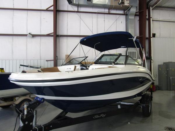 New Sea Ray Ski and Wakeboard Boat Ski and Wakeboard Boat For Sale