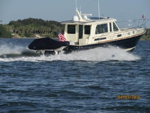 Used Sabre Yachts 40 Salon Express Cruiser Boat For Sale