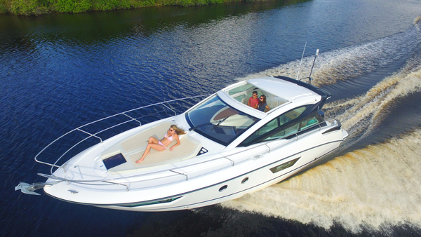 New Beneteau 40 GT Express Cruiser Boat For Sale