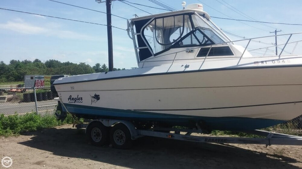 Used Angler 252 Walkaround Fishing Boat For Sale