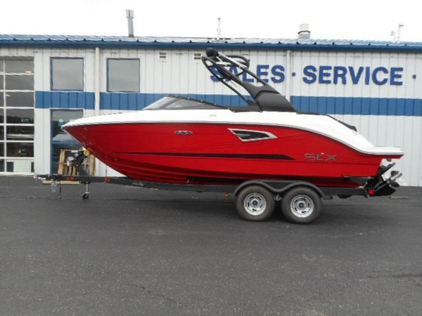 New Sea Ray 230SLX Bowrider Boat For Sale