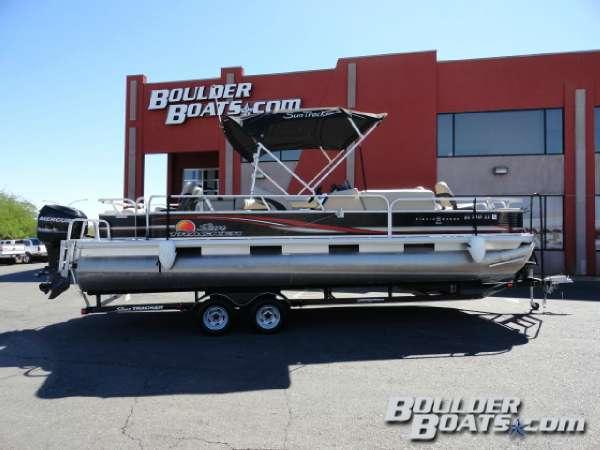 Used Sun Tracker Fishin' Barge 24 DLX Pontoon Boat For Sale