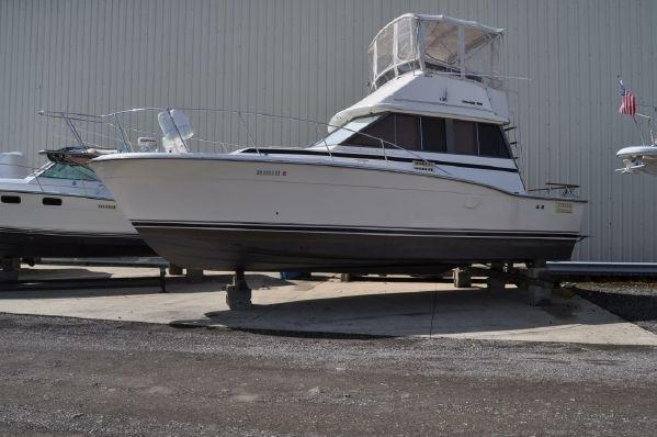 Used Trojan F32 Motor Yacht For Sale