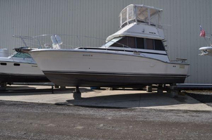 Used Trojan F-32 Motor Yacht For Sale