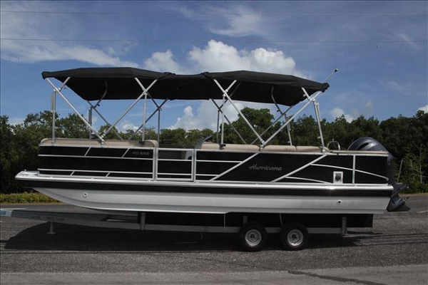 New Hurricane FD 226 OB Deck Boat For Sale