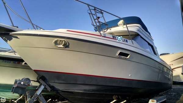 Used Bayliner CIERA 2556 Sports Fishing Boat For Sale