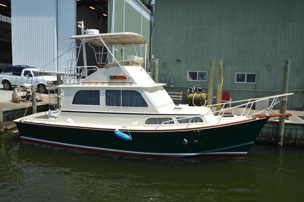 Used Brownell Boatworks Downeast Flybridge Sedan Downeast Fishing Boat For Sale