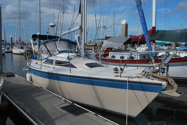 Used Dehler 31 Racer and Cruiser Sailboat For Sale