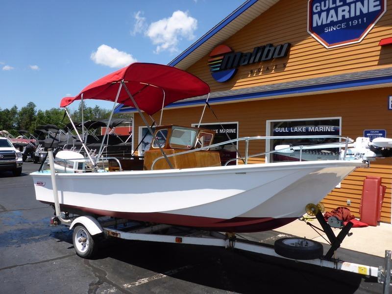 Used boats for sale in mi boat dealer michigan near for Used fishing boats for sale in michigan