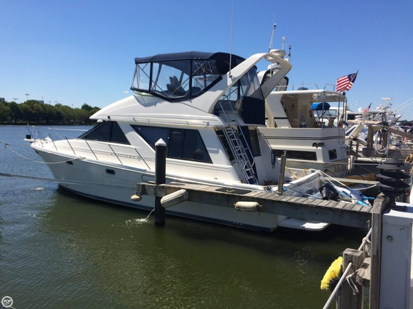 Used Bayliner 3988 CB Cruiser Boat For Sale