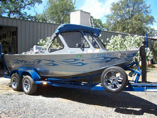 Used Design Concepts 18 River Angler FC Aluminum Fishing Boat For Sale