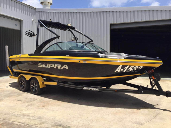 Used Supra Launch 21 V Bowrider Boat For Sale