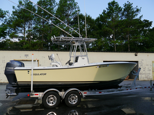 Used Regulator 23 Classic Center Console Fishing Boat For Sale