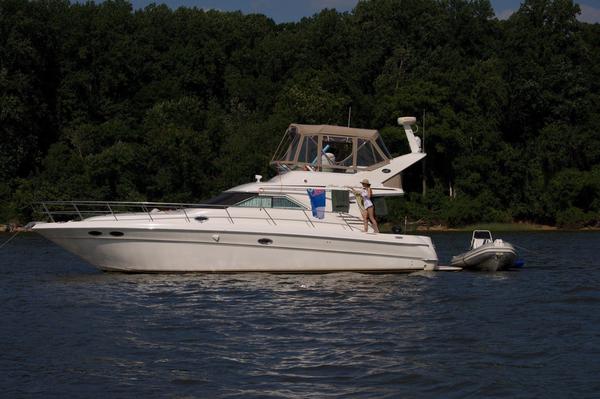 Used Sea Ray 400 Sedan Bridge Express Cruiser Boat For Sale