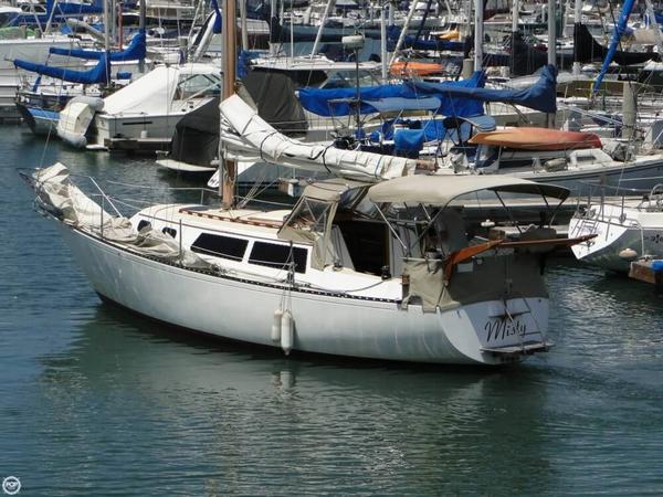 Used Islander Yachts Bahama 30 Sloop Sailboat For Sale