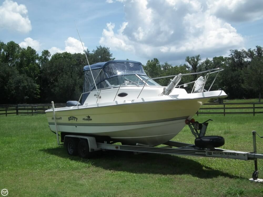 2004 used wellcraft 22 walkaround cuddy walkaround fishing for Used fishing boats for sale in florida