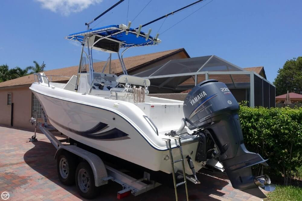 Used Cobia 234 CC Center Console Fishing Boat For Sale