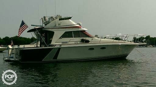Used Trojan 10 Meter Sedan Express Cruiser Boat For Sale