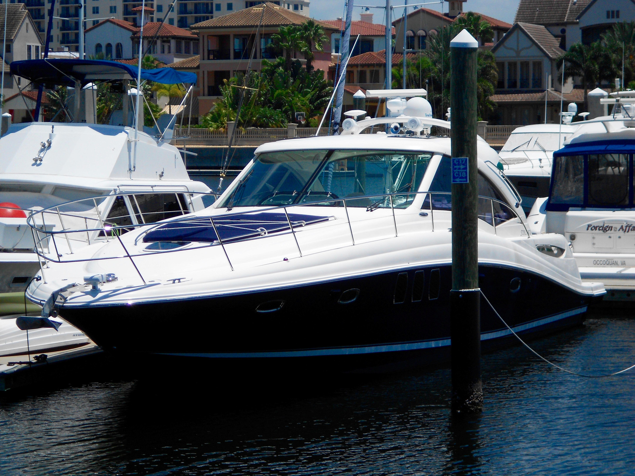 2006 used sea ray 48 sundancer motor yacht for sale for Used motor yacht for sale